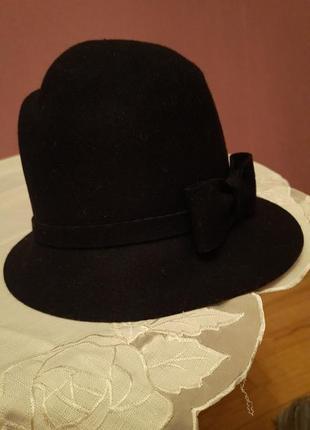 Шляпка жіноча елегантна