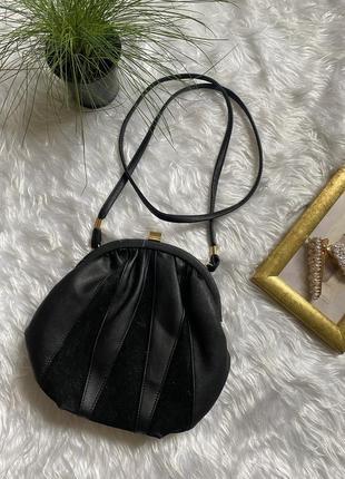 Небольшая сумка интересной формы