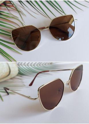 Солнцезащитные очки в коричневом цвете для девочки 7-12лет