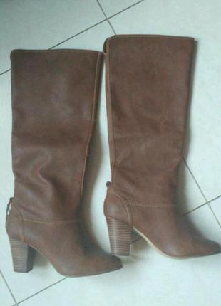 Новые кожаные сапоги на весну осень демисезонные bershka красивый коричневый цвет