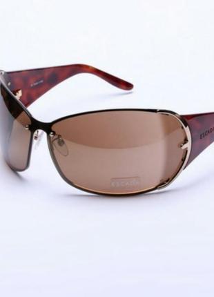 Солнцезащитные очки escada