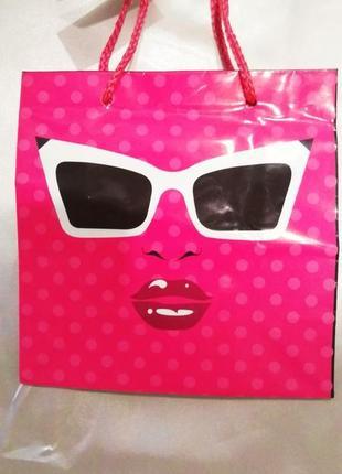 Пакет ламинированый подарочный  для упаковки  подарка.