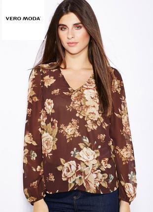 Легкая блузка в принт известной датской марки высококачественной одежды vero moda.