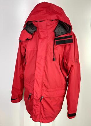 Чоловіча червона спортивна куртка – вітровка  розмір l ( р-37)