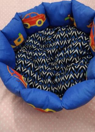 Красивая новая лежанка лежак для кошек и собак размер 50×50см