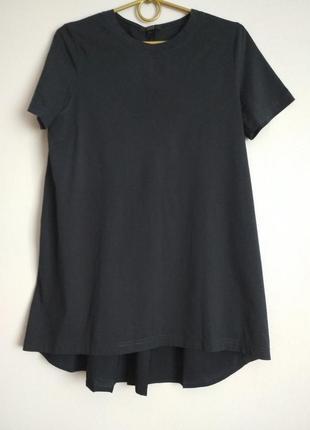 Удлиненная футболка с плиссированной спинкой