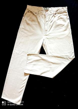 Брендовые джинсы просто супер.