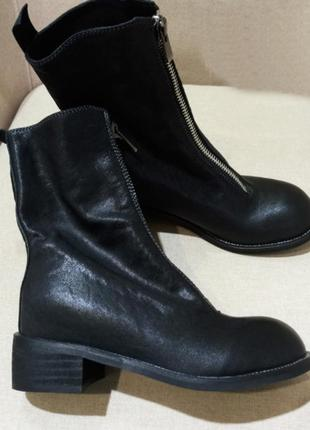 Крутые кожаные ботинки со змейкой в стиле ретро