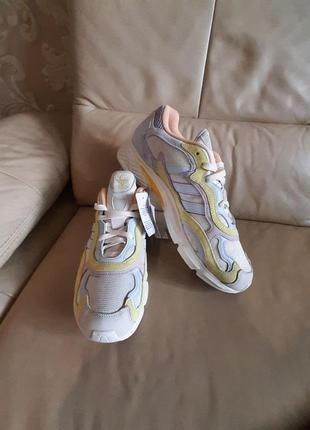 Оригинальные кроссовки  adidas  46 размер2 фото