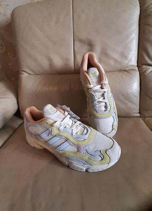 Оригинальные кроссовки  adidas  46 размер