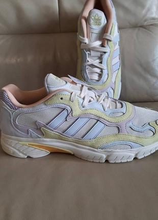 Оригинальные кроссовки  adidas  46 размер3 фото
