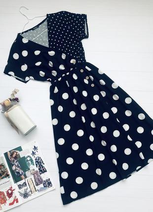 Платье в горошек с лифом на запах