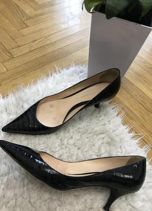 Туфли лодочки с острым носком натуральная кожа кожаные италия лаковые casadei
