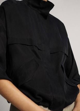 Стильная укороченная куртка из ткани купро,свободного кроя massimo dutti