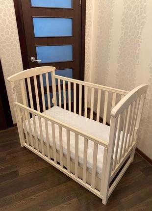Продам детскую кроватку - angelo lux 7 с матрасом.