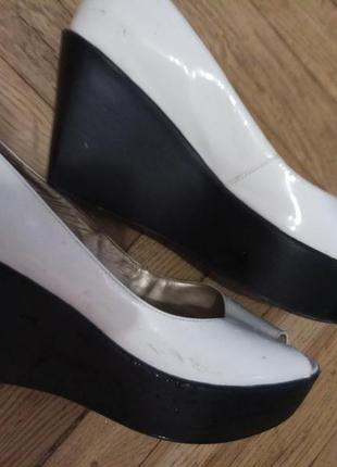 Актуальные туфли с открытым носиком!