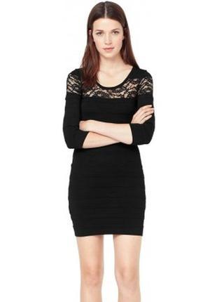 Бандажное маленькое черное платье мини сукня с кружевом