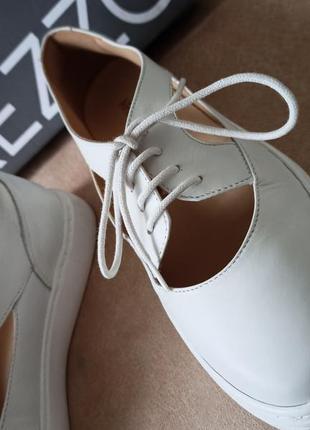 Arezzo женские белые кожаные туфли на шнурках3 фото