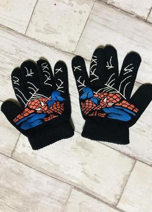 Перчатки на мальчика spider man