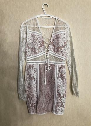 Нежное платье розовое с кружевом
