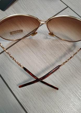 Женчтвенные очки