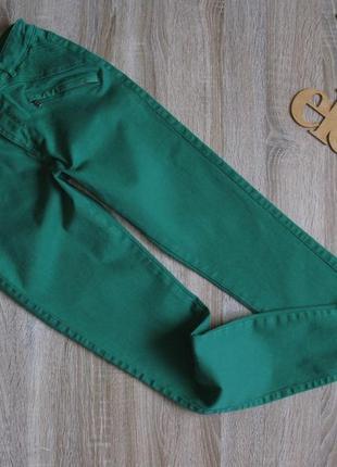 Яркие стрейчевые джинсы esprit eur 38