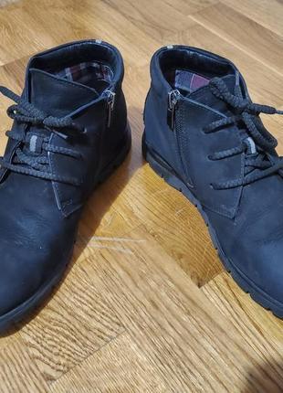 Натуральные нубуковые мужские ботинки черного цвета