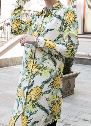 Стильная удлинённая рубашка платье в ананасы