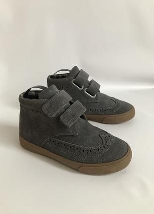Фирменные замшевые демисезонные ботинки от mark&spencer 29