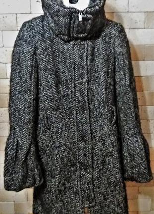 Zara шерстяное пальто 54% шерсти