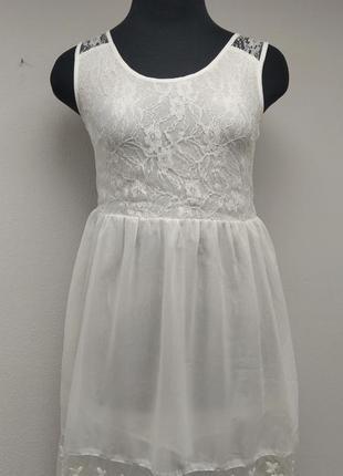 Платье белое, сарафан с кружевом. на s, m.