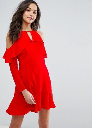 Asos красное платье открытые плечи длинный рукав
