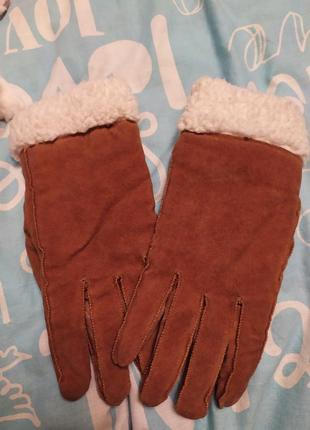 Натуральные замшевые перчатки