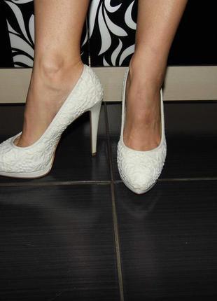 Свадебные туфли с вышивкой - new look - 38р. - стелька - 24 см - сток!