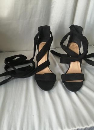 Туфли босоножки нюанс
