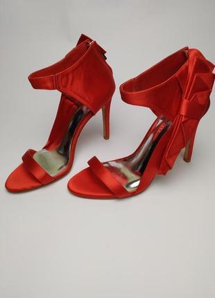 Туфли босоножки шикарные красные оригинал karen millen 37