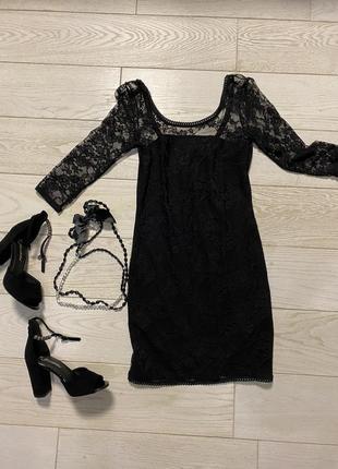 Кружевное мини платье с открытой спиной