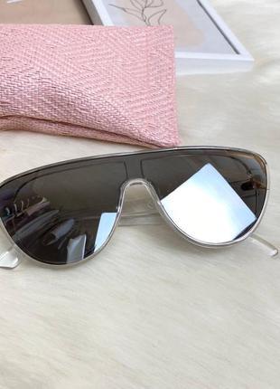 Трендовые солнцезащитные очки stradivarius