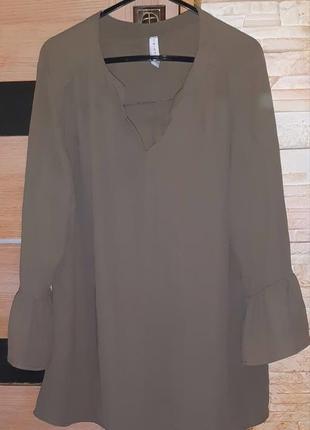 Блузка стильная, удобная, размер м