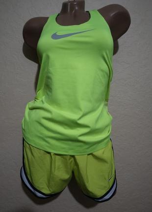 Спортивный набор майка + шорты от nike размер s
