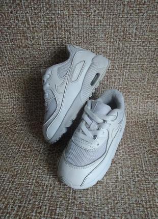 Nike оригинальные кроссовки 25