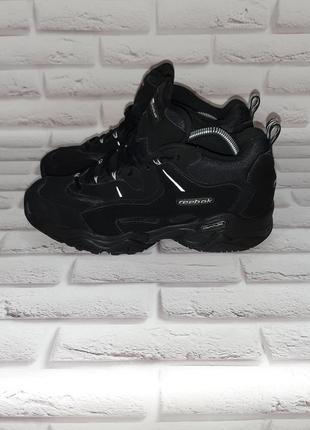 Ботинки кроссовки reebok
