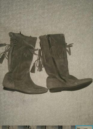 Сапоги-ботинки.