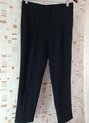 Стильные брюки cos