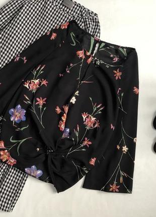 Стильная цветочная блуза с расклешенными рукавами george