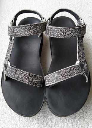 Кожаные сандалии teva сша, оригинал.
