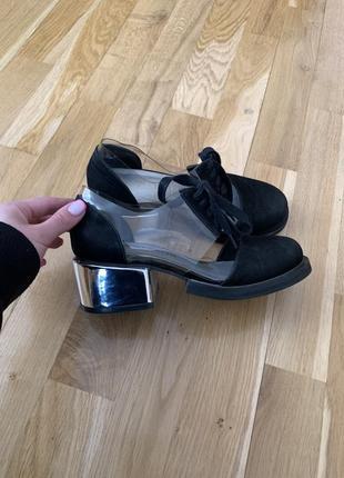 Туфлі bomond