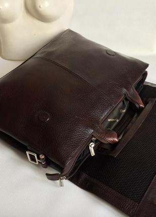 Кожаные фирменный портфель desissan
