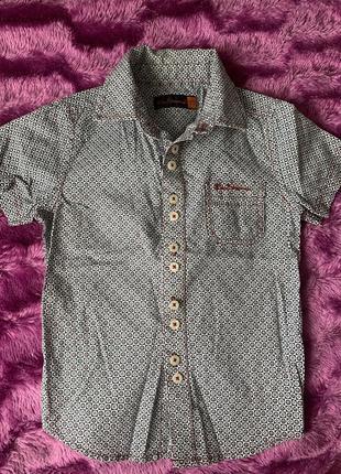 Рубашка на 2-3 года .