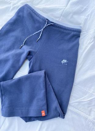 Оригинальные широкие спортивные штаны от nike2 фото